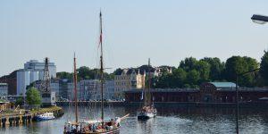 Lübeck Oldtimer Schiffe auslaufen